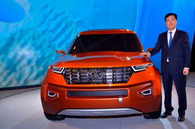 hyundai compact suv launch in india - front images