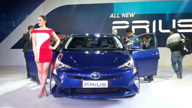 upcoming new car launches india 2016 new-toyota-prius-auto-expo-2016