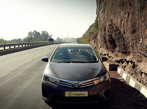 toyota corolla altis diesel review photos front