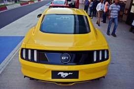 ford-mustang-india-test-drive-review-track-day-images (5)