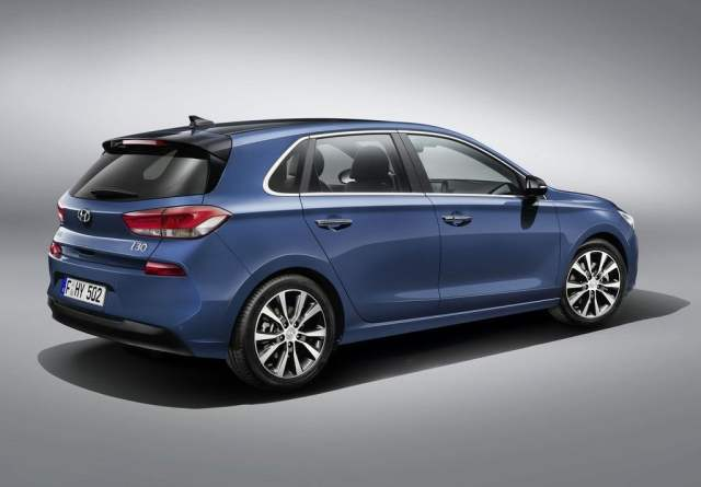 2017 Hyundai i30 India Price, Launch Date, Mileage, Specification 2017-hyundai-i30-official-images-rear-angle