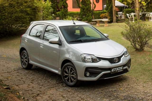 new toyota etios liva 2016-facelift-images-front-angle