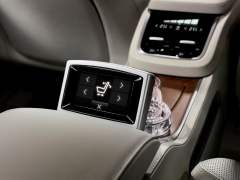 volvo-xc-90-t8-hybrid-official-image-rear-touch-display