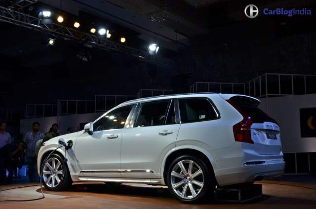 Volvo XC90 T8 Excellence India Price Rs. 1.25 crore, XC90 Hybrid SUV volvo-xc90-t8-india-launch-images-rear-side-angle