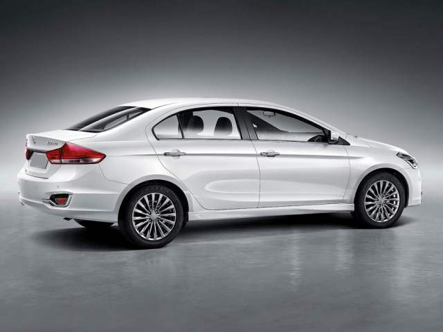 2017 Maruti Ciaz Facelift launch in Arpil 2017; Price Rs 7.5 lakhs maruti-suzuki-ciaz-facelift-rear-side