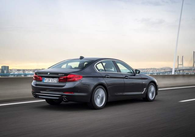 2017 bmw 5 series india official image rear angle