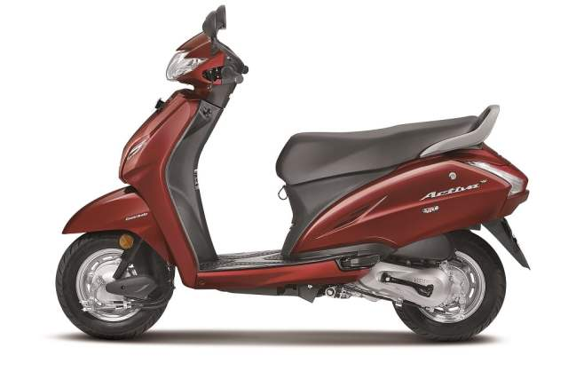 2017 honda activa 4g side view