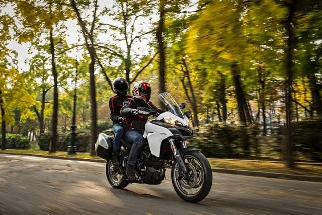 Ducati Multistrada 950 India - Two-up riding