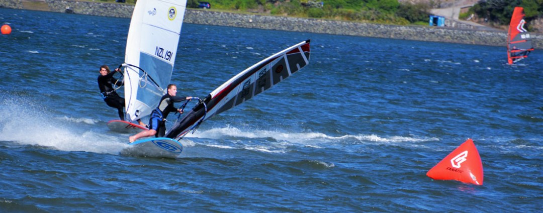dan meehan gybing at new zealand slalom nationals 2017