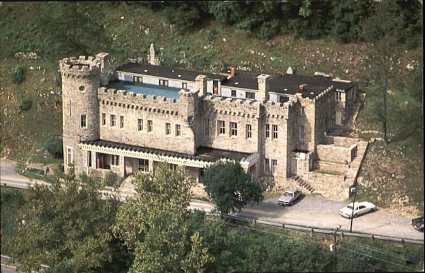 Berkeley Castle Overlooking The Resort Spa Of Berkeley