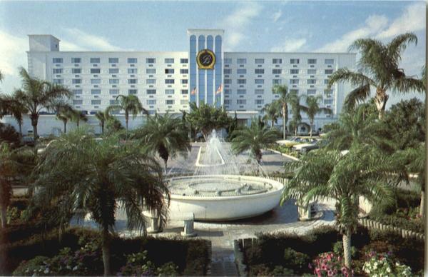Breckenridge Resort Beach Club 5700 Gulf Blvd Saint Petersburg Beach FL