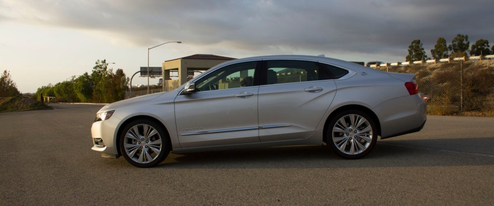 2014_Chevrolet_Impala_002