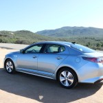2016_Kia_Optima_Eco-Hybrid_043