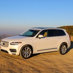 2016_Volvo_XC90_T8_Inscription_018