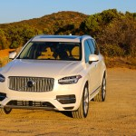 2016_Volvo_XC90_T8_Inscription_020