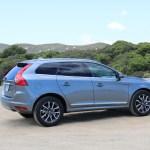 2016_Volvo_XC60_T6_AWD_011