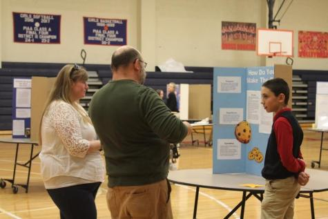 DCC Seventh Graders Compete in Science Fair
