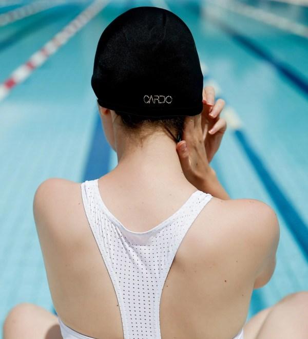 Bonnet de bain Tuxy Swarovski CARDO Paris piscine maillot de bain déperlant joli élégant confortable français