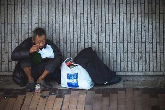 Welthunger Statistiken - Hungriger Mann