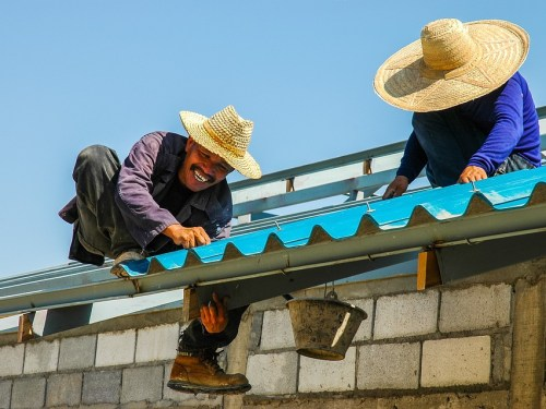 Benefits Of Hiring Roof Repair Professionals