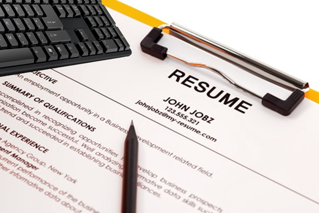 Resume Writing   How Many  Previous  Jobs Should You List in Your     Resume in folder