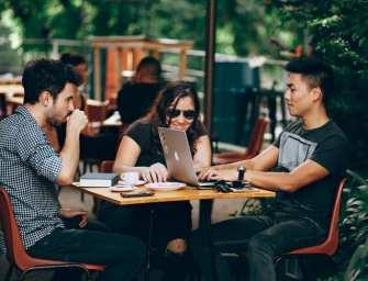 Introvert en extravert: een perfecte match op de werkvloer