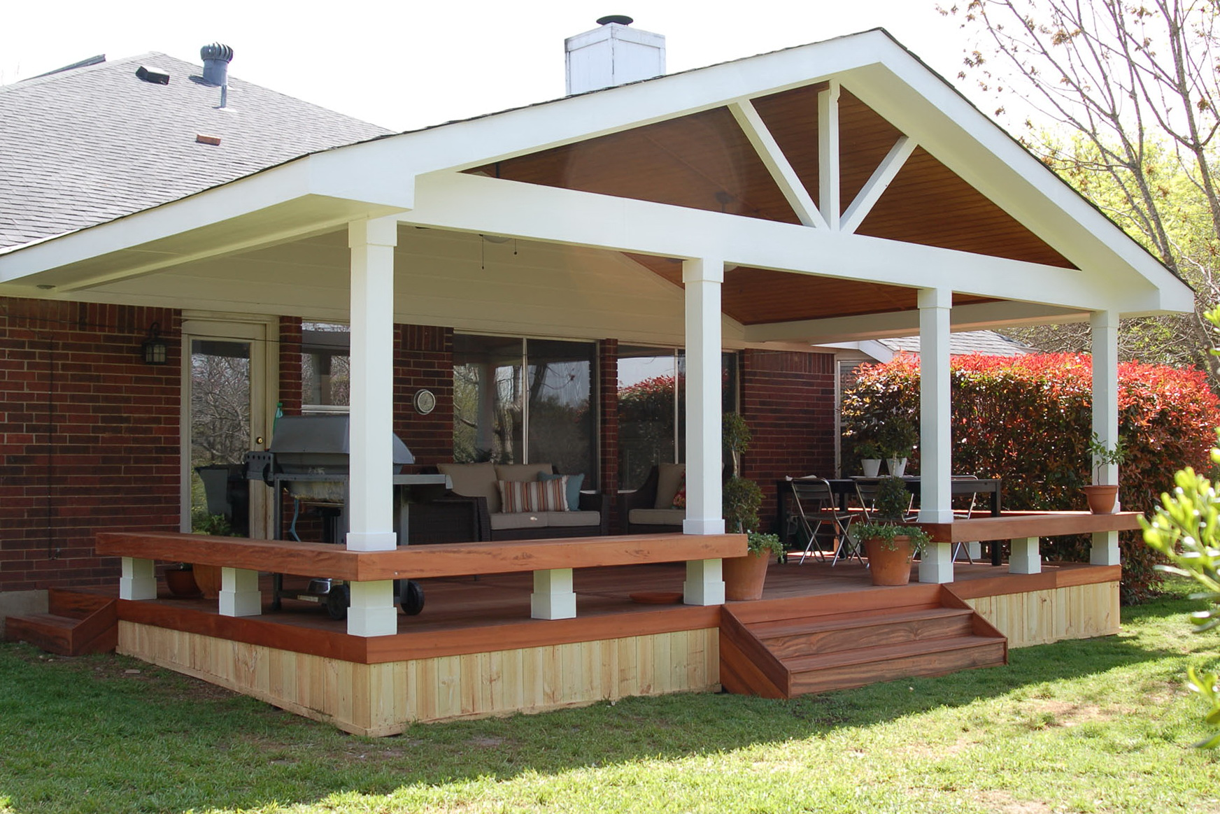 Covered Decks Offers an Extra Place To Enjoy - CareHomeDecor on Covered Back Deck Designs id=35362