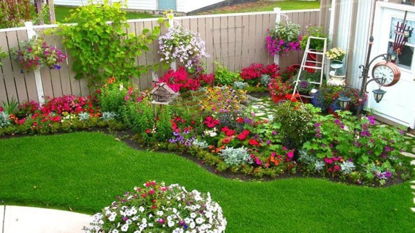flower garden ideas and decorations Flower bed ideas for the season - CareHomeDecor