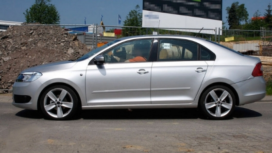 new rapid skoda side view
