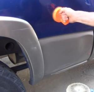 removing dents and scratches off of your car in 10 minutes