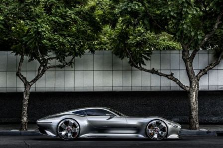 mercedes-amg-vision-gran-turismo-side-view-porsche-feel