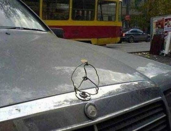 hilarious-improvised-mercedes-car-emblem