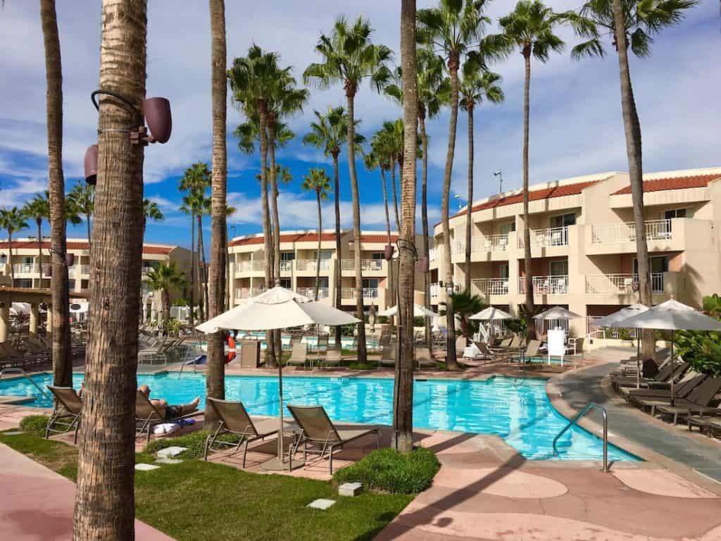 Fun In The Sun At San Diego S Loews Coronado Bay Resort Carful Of Kids
