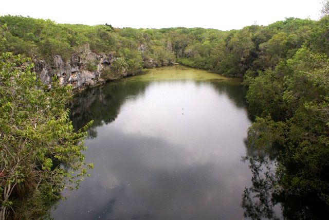 Blue Hole on the South Andros Trail (Photo by Linda Huber)