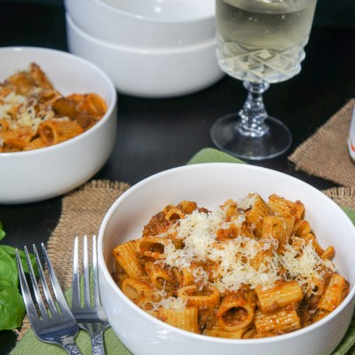 Easy Rigatoni Pasta with Meat Sauce