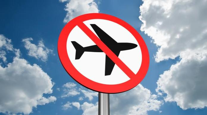 Secretario del Tesoro duda que regresen los vuelos internacionales a EE.UU.  este año
