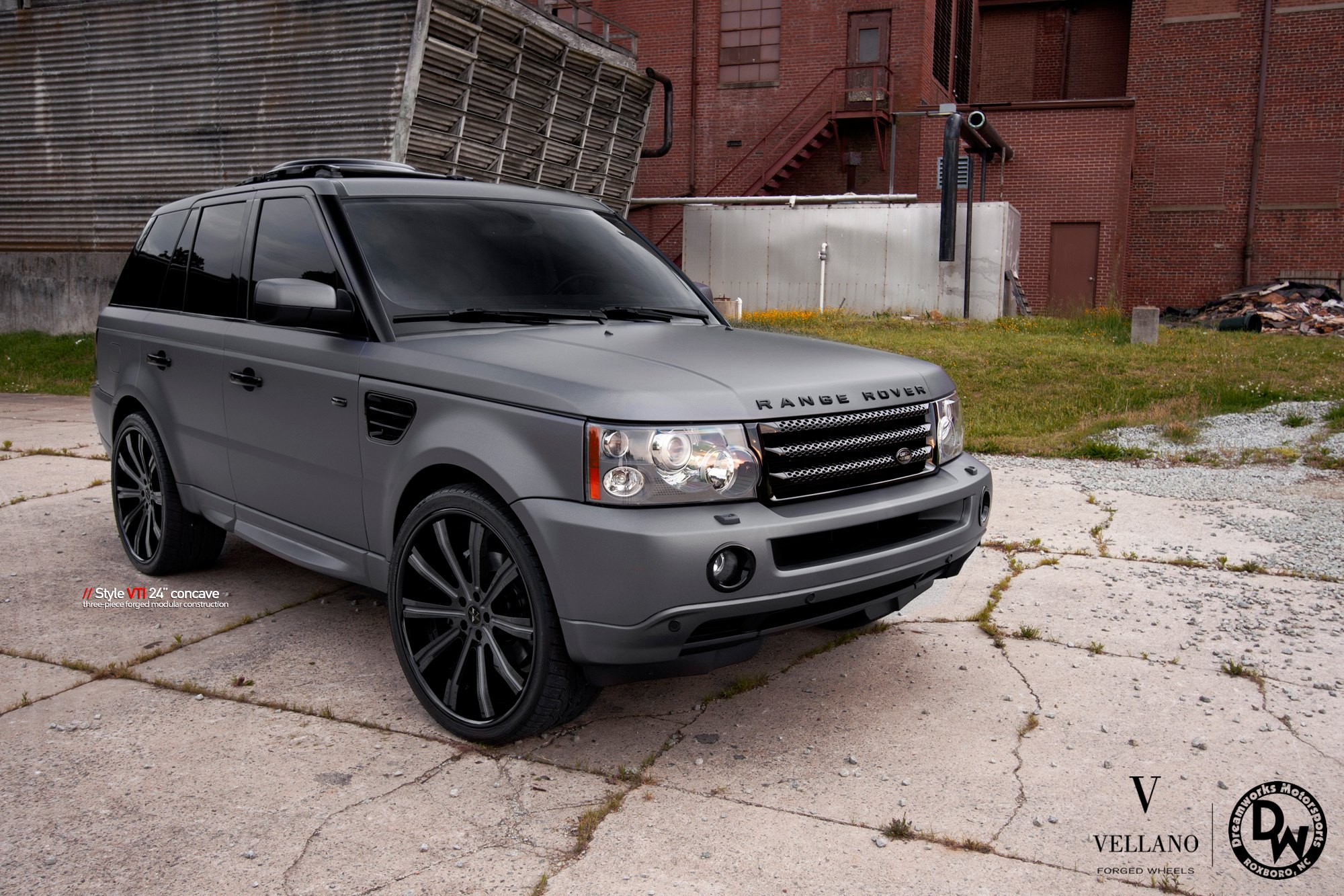 Matte Gray Range Rover Sport Sitting Well on Contrasting Black