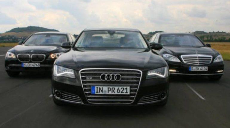 Voiture de luxe le trio Audi Mercedes BMW