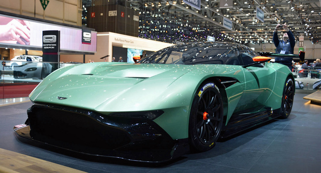 aston martin vulcan hypercar blog auto carid al. Black Bedroom Furniture Sets. Home Design Ideas