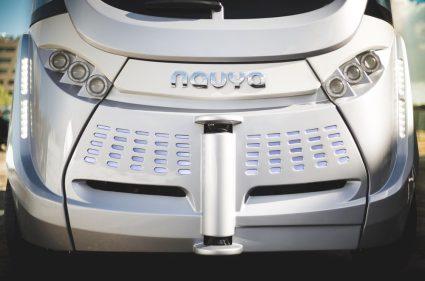 Navya Arma: utilise des caméras stéréos, LiDAR et autres technologies de capteurs pour lire son environement