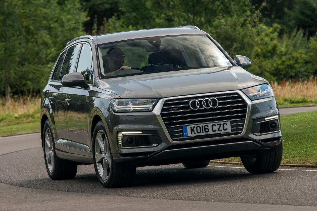 audi q7 e tron plug in hybrid suv 2016 blog auto carid al. Black Bedroom Furniture Sets. Home Design Ideas