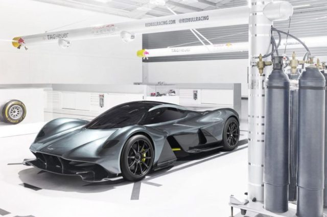 Les meilleures Hypercars 2017 : Aston Martin AM RB 001