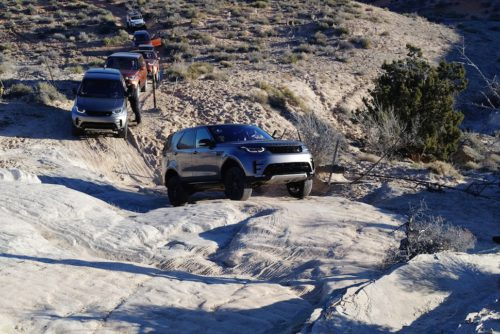 Land Rover Discovery 2017 dans la neige