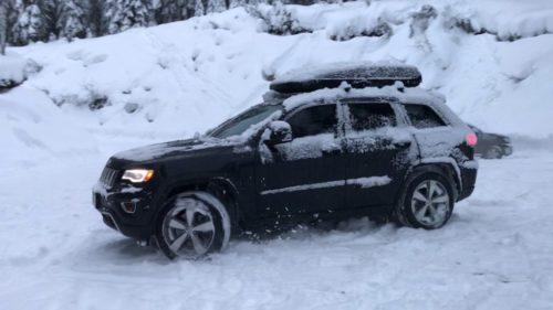 Jeep grand Cherokee 2017 dans la neige