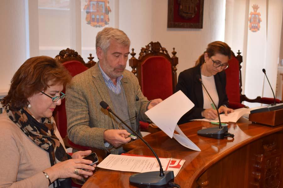 El ayuntamiento de Aranda suscribe un nuevo convenio con el CADAC
