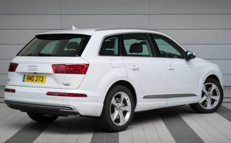 Audi-Q7-e-tron-side