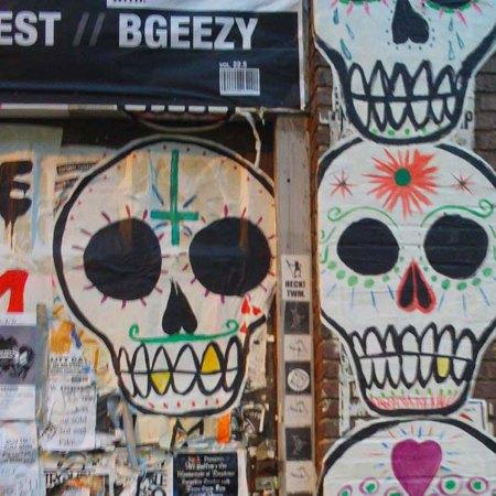 Skull-wall