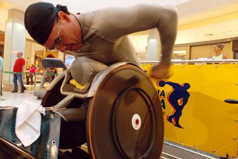 Paratleta gaúcho bate recorde mundial de corrida 24 horas indoor