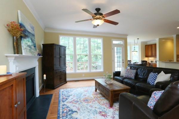Open House for this property. Tucked away on a cul-de-sac ...