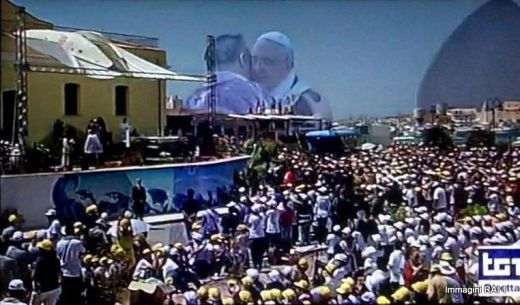 2013_07_08-LAMPEDUSA-Papa_Vescovo-FRANCESCO-